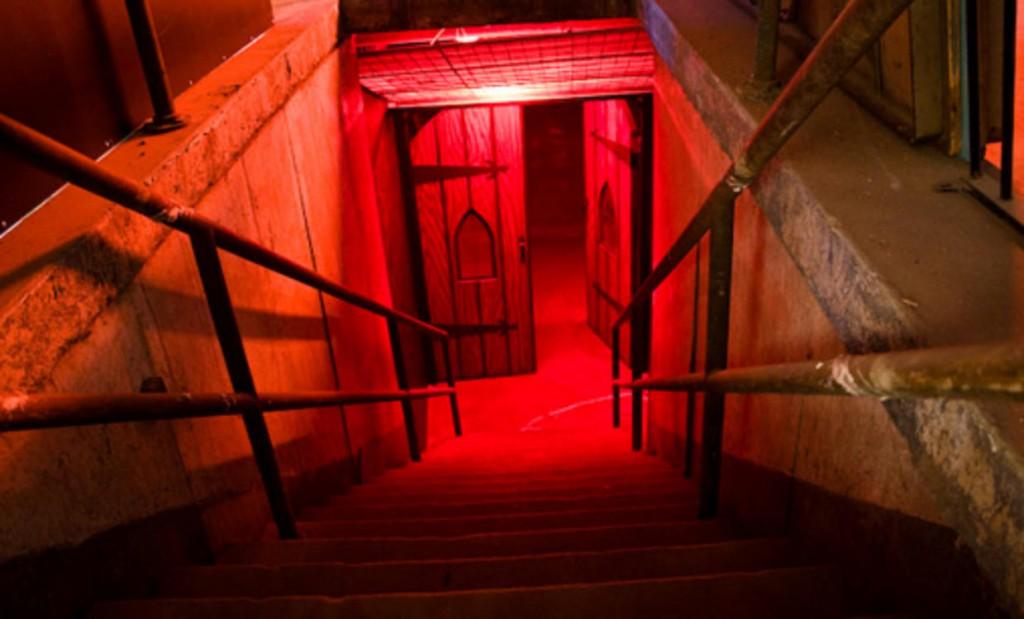 136_sn_hauntedbehindscenes-5